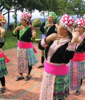 Danses traditionnelles Hmong