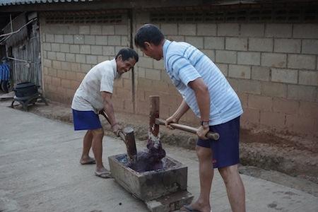 Préparation de beignet de riz HMONG